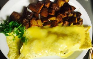 Omlet and potatos